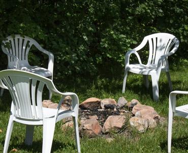 le-villageois-feu-chaises